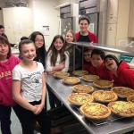 Temple Beth El Teens Working in the Kitchen